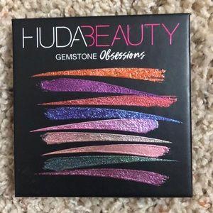 Huda Beauty Gemstone Obsessions